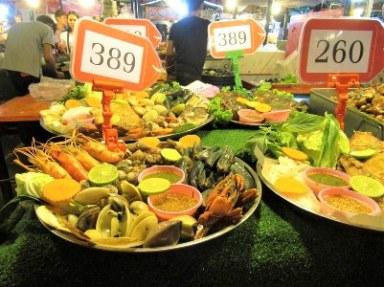 kuliner night market ratchada bangkok