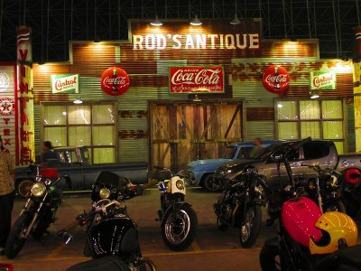 Night train Market srinagarin Bangkok_640x480_400x300