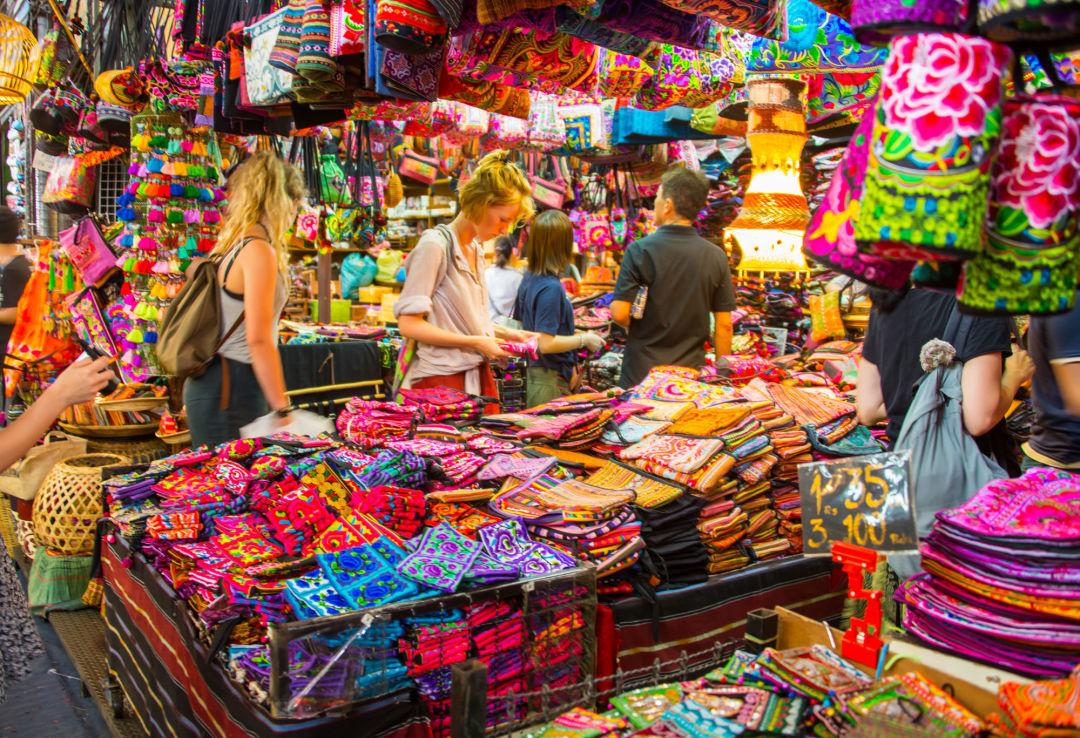 Tempat belanja super besar Chatuchak Bangkok