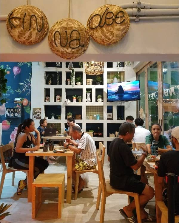 hostel digital nomad bangkok free breakfast