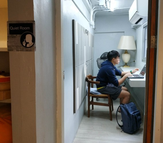 kinnon digital nomad best top good recommended hostel silom bangkok